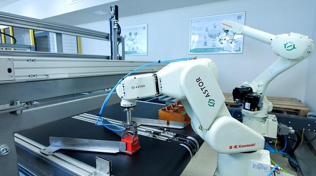 ASTOR Uniwersytet Zielonogorski laboratorium roboty Kawasaki 2