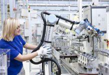 Usługi będą głównym źródłem zysków firm